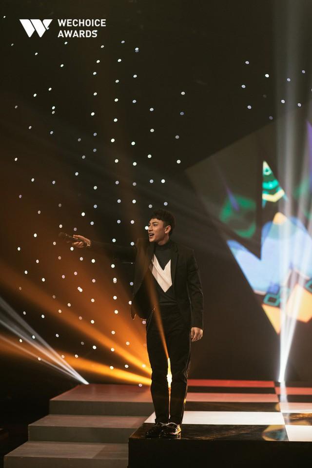 Hành trình truyền cảm hứng WeChoice Awards tháng 11: Phía trước bình minh là hy vọng! - Ảnh 14.