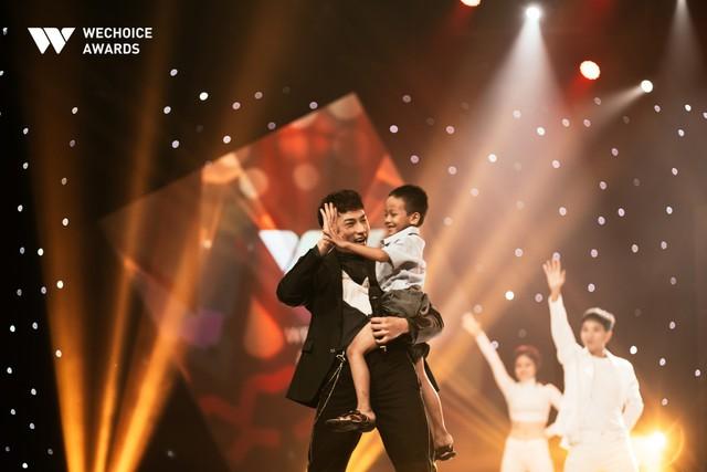 Hành trình truyền cảm hứng WeChoice Awards tháng 11: Phía trước bình minh là hy vọng! - Ảnh 8.