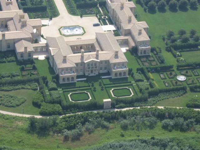 Bên trong ngôi làng toàn dinh thự triệu đô ở Mỹ - Ảnh 9.