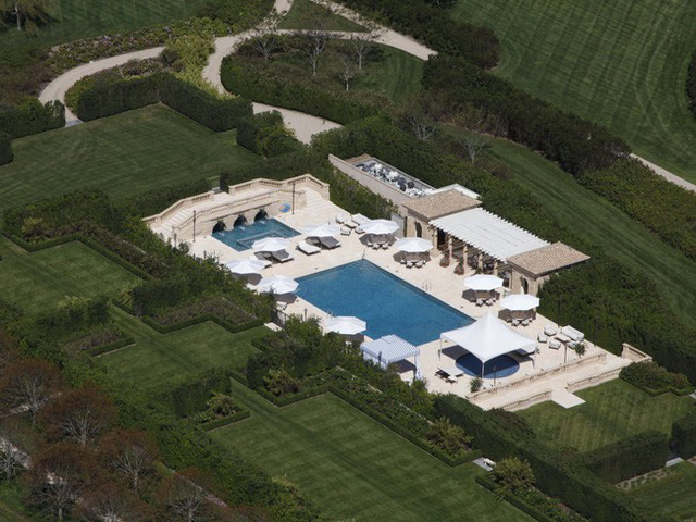 Bên trong ngôi làng toàn dinh thự triệu đô ở Mỹ - Ảnh 10.