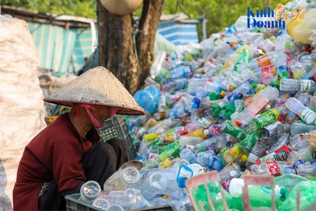 Bà Lê Từ Cẩm Ly: Tái chế chai nhựa sẽ trở thành một cảm hứng sống của Coca-Cola! - Ảnh 3.