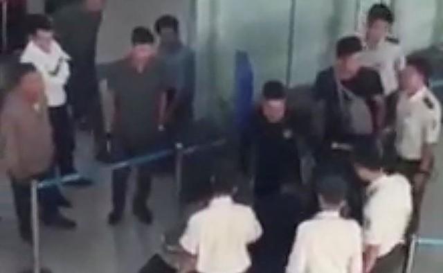 ACV đề nghị xử nghiêm 3 đối tượng gây rối tại sân bay Thọ Xuân - Ảnh 1.
