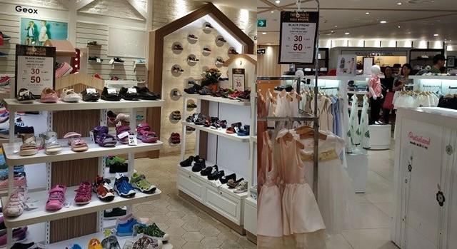 Black Friday 2018 ở TP. Hồ Chí Minh: Các cửa hàng phụ kiện, mỹ phẩm lên ngôi - Ảnh 6.