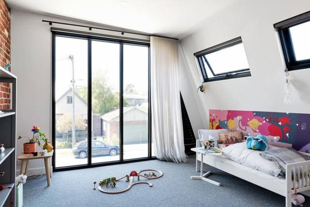 Ngôi nhà mái lệch giúp giải nhiệt và chống thấm hiệu quả - Ảnh 9.