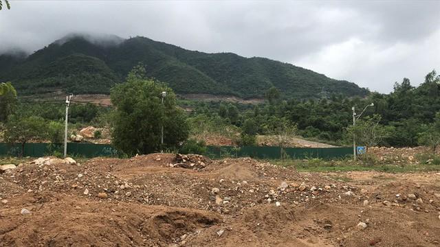 Đường ở Nha Trang biến thành suối, đá tảng lăn đầy đường - Ảnh 16.