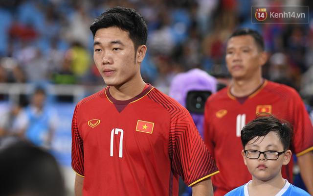 5 cầu thủ có số đường chuyền chính xác cao nhất ĐT Việt Nam ở AFF Cup 2018: Quang Hải đứng đầu, Xuân Trường xếp cuối - Ảnh 2.