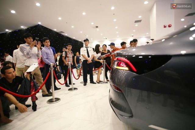 Sau màn ra mắt ấn tượng tại Hà Nội, VinFast tiếp tục thu hút hàng nghìn người dân tới tham quan và đặt mua tại Sài Gòn - Ảnh 12.