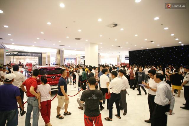 Sau màn ra mắt ấn tượng tại Hà Nội, VinFast tiếp tục thu hút hàng nghìn người dân tới tham quan và đặt mua tại Sài Gòn - Ảnh 22.