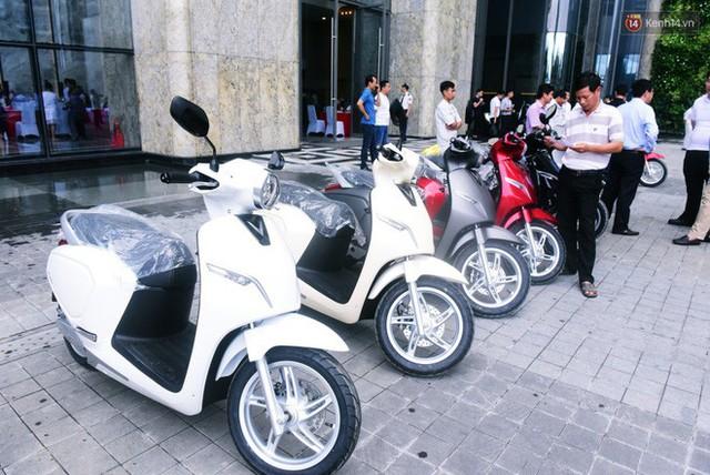 Sau màn ra mắt ấn tượng tại Hà Nội, VinFast tiếp tục thu hút hàng nghìn người dân tới tham quan và đặt mua tại Sài Gòn - Ảnh 34.