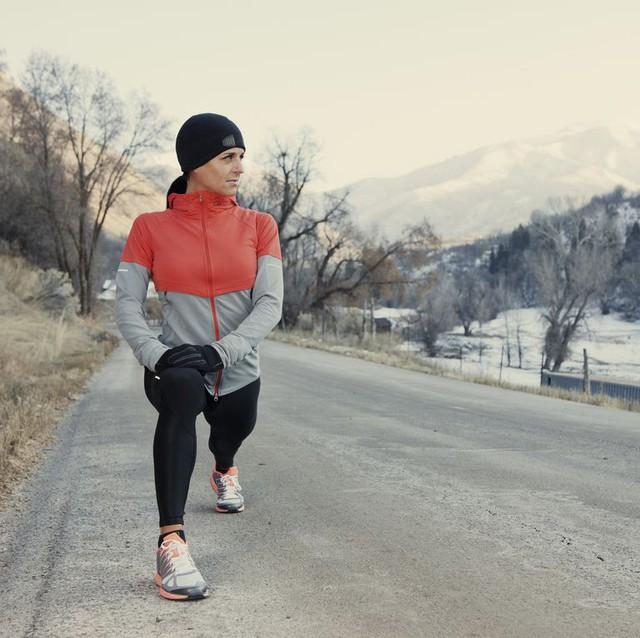 Đừng để tâm trạng giảm cùng với nhiệt độ, 8 mẹo nhỏ dưới đây sẽ giúp bạn tránh khỏi hội chứng rối loạn cảm xúc theo mùa - Ảnh 2.