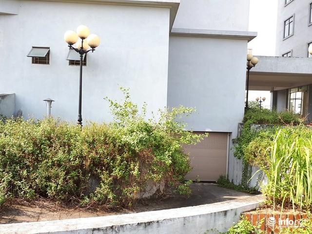 Trăm căn hộ cao tầng tái an cư mới tinh biến thành nhà ma hoang phế giữa Hà Nội - Ảnh 6.