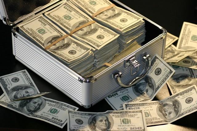 Nếu có 1 triệu USD, bất động sản Việt Nam là một kênh đầu tư thú vị và ra tiền - Ảnh 2.