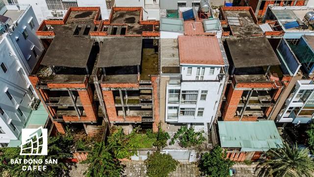 Cận cảnh vô số villa tỷ đồng bỏ hoang giữa lòng khu thành phố sầm uất bậc nhất khu Đông TP.HCM - Ảnh 8.