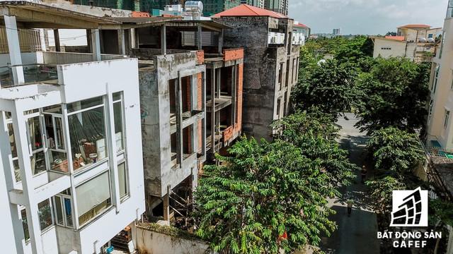 Cận cảnh vô số villa tỷ đồng bỏ hoang giữa lòng khu thành phố sầm uất bậc nhất khu Đông TP.HCM - Ảnh 11.