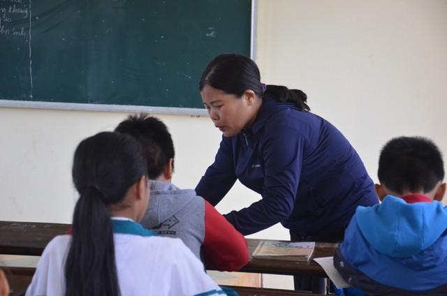 Cô giáo bắt cả lớp tát bạn 231 cái trong mắt đồng nghiệp - Ảnh 2.