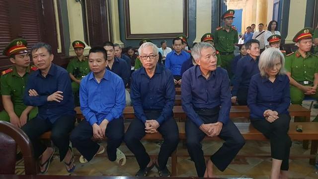 Điều tra trách nhiệm vợ Trần Phương Bình trong khoản vay DongABank   - Ảnh 1.