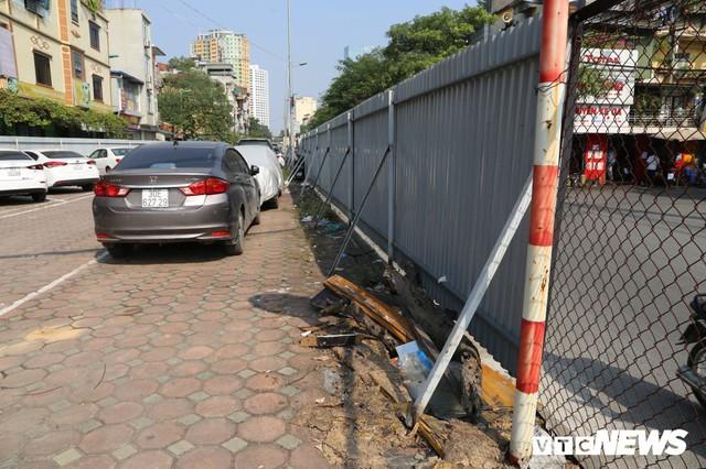 Ảnh: Bãi đỗ xe thông minh đắp chiếu, biến thành nơi trông xe truyền thống tại Hà Nội - Ảnh 6.