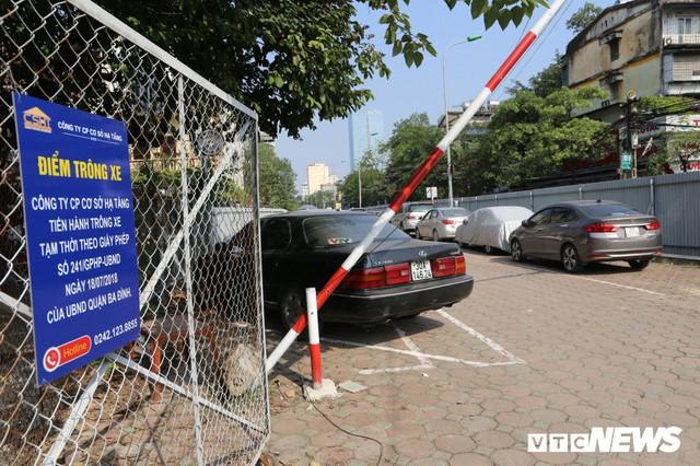 Ảnh: Bãi đỗ xe thông minh đắp chiếu, biến thành nơi trông xe truyền thống tại Hà Nội - Ảnh 7.