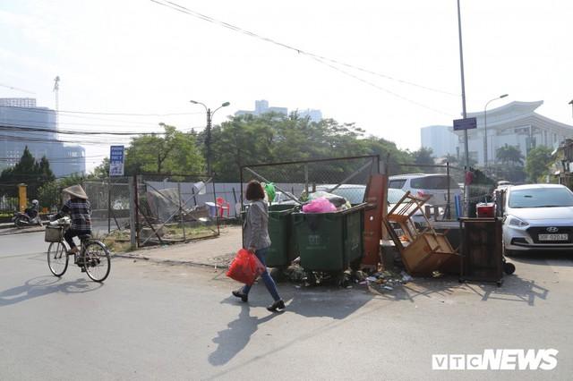Ảnh: Bãi đỗ xe thông minh đắp chiếu, biến thành nơi trông xe truyền thống tại Hà Nội - Ảnh 9.