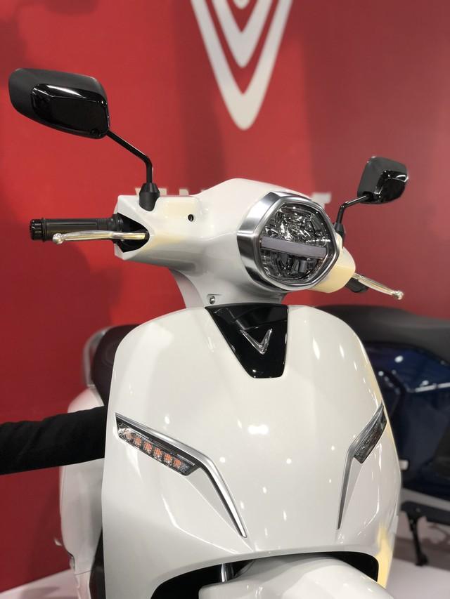 VinFast chính thức ra mắt xe máy điện thông minh, dự kiến mở bán từ 17/11 - Ảnh 1.