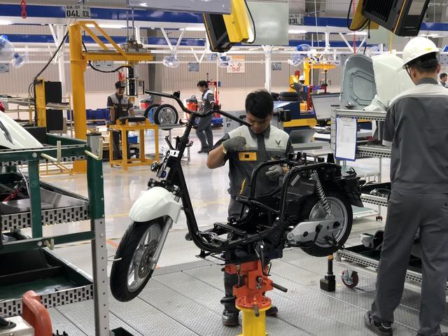 VinFast chính thức ra mắt xe máy điện thông minh, dự kiến mở bán từ 17/11 - Ảnh 5.