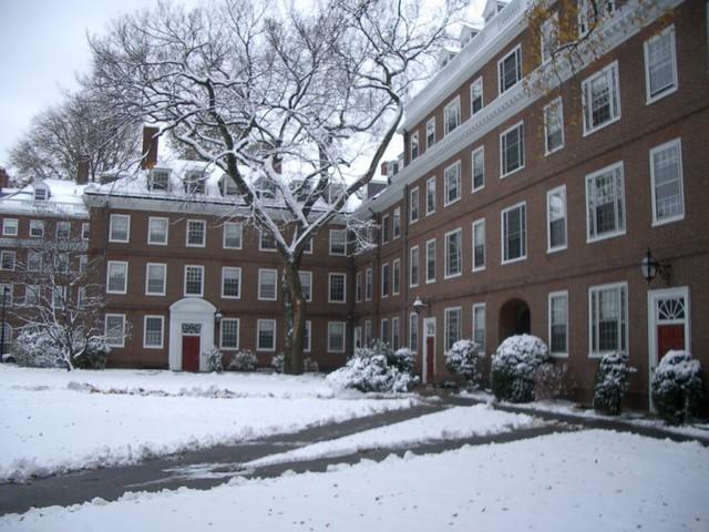Đột nhập ký túc xá Harvard: Hóa ra sinh viên trường số 1 thế giới lại phải chịu cảnh sống chen chúc, chật chội như vậy - Ảnh 12.