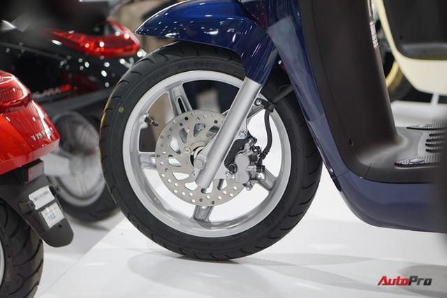 Chi tiết xe máy điện thông minh đầu tiên của VinFast - Ảnh 15.