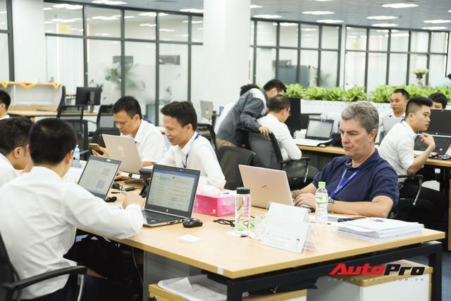 Khu văn phòng nhà máy sản xuất xe máy điện thông minh VinFast đẹp và sạch sẽ như resort - Ảnh 16.