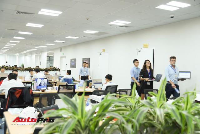 Khu văn phòng nhà máy sản xuất xe máy điện thông minh VinFast đẹp và sạch sẽ như resort - Ảnh 17.