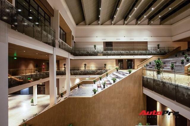 Khu văn phòng nhà máy sản xuất xe máy điện thông minh VinFast đẹp và sạch sẽ như resort - Ảnh 19.