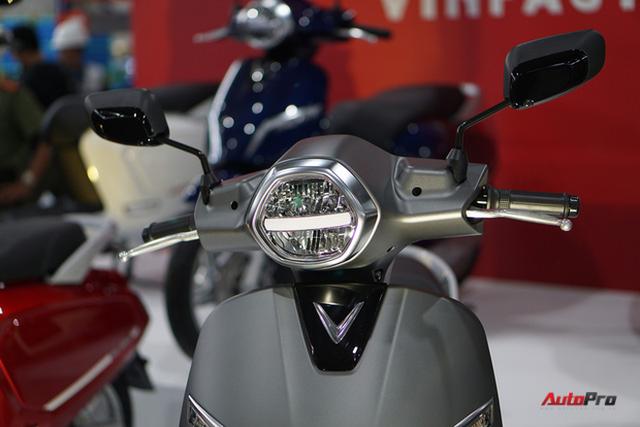 Chi tiết xe máy điện thông minh đầu tiên của VinFast - Ảnh 9.