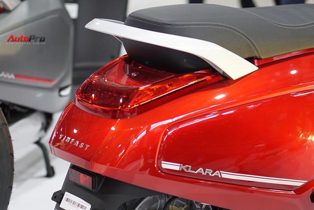 Chi tiết xe máy điện thông minh đầu tiên của VinFast - Ảnh 10.