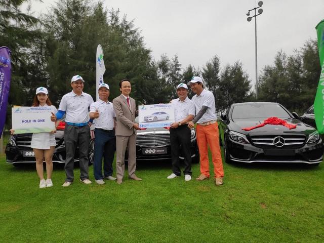 Giới golf Việt chấn động với cú đánh HIO trị giá hàng chục tỷ đồng, được tới 4 xe Mercedes C200  - Ảnh 2.