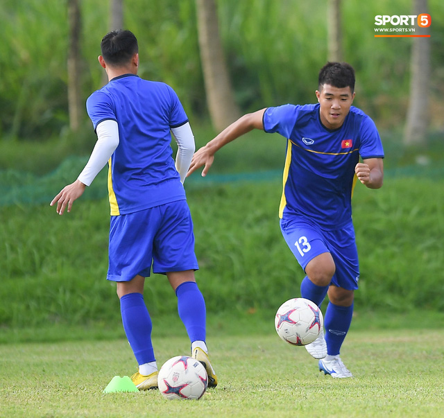 Tuyển Việt Nam tập luyện ở không gian yên bình như trong phim trước trận bán kết AFF Cup 2018 - Ảnh 3.