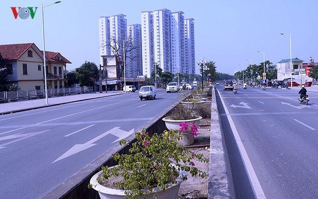 Cận cảnh phố 8 làn xe ở Hà Nội được đề xuất đặt tên Trịnh Văn Bô - Ảnh 6.