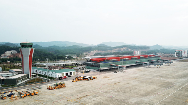Đề xuất khai thác chuyến bay thương mại Thứ nhất ở Vân Đồn từ ngày 30/12 - Ảnh 1.