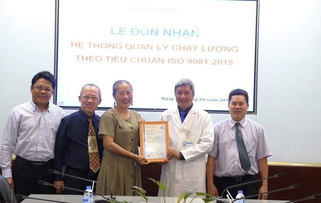 Chân dung Giám đốc Bệnh viện Chợ Rẫy làm Thứ trưởng Y tế - Ảnh 9.