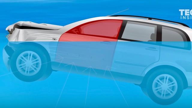 Bí kíp thoát khỏi ô tô khi chìm dưới nước - học ngay vì trên đời này chuyện gì cũng có thể xảy ra - Ảnh 2.