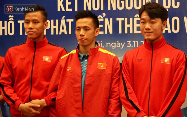 Văn Quyết mang băng đội trưởng, Xuân Trường làm đội phó tuyển Việt Nam - Ảnh 1.