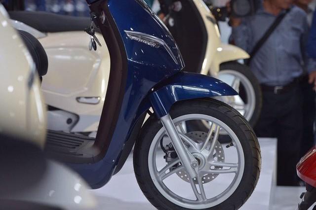 [Ảnh hot] 6 màu siêu sang chảnh của xe máy điện VinFast - Ảnh 2.