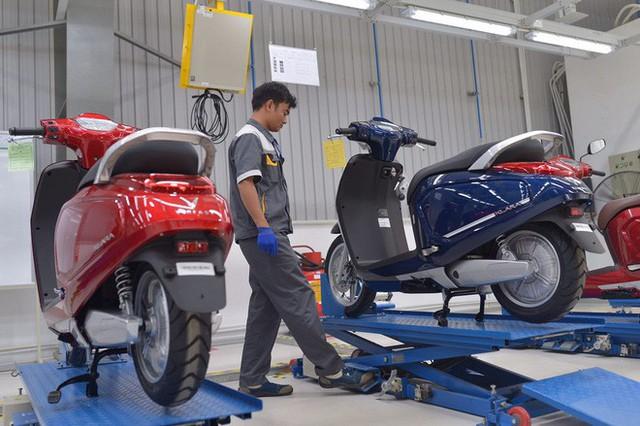 [Ảnh hot] 6 màu siêu sang chảnh của xe máy điện VinFast - Ảnh 6.