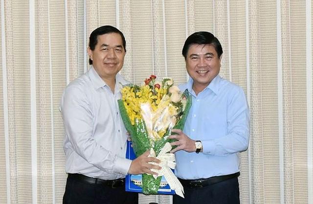 UBND TPHCM cho nguyên Phó Chủ tịch Lê Văn Khoa thôi việc   - Ảnh 2.