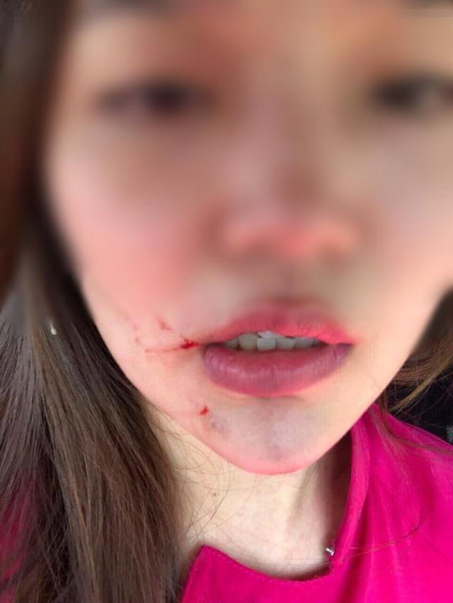 Hai nữ tiếp viên hàng không VASCO lao vào đánh nhau như phim ở sân bay Tân Sơn Nhất - Ảnh 1.