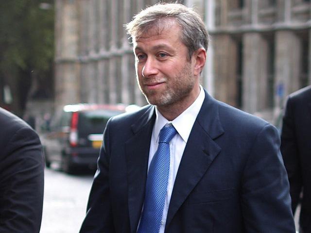 Cuộc sống giàu sang, nhiều màu sắc của ông chủ sở hữu CLB Chelsea - tỷ phú Roman Abramovich  - Ảnh 1.