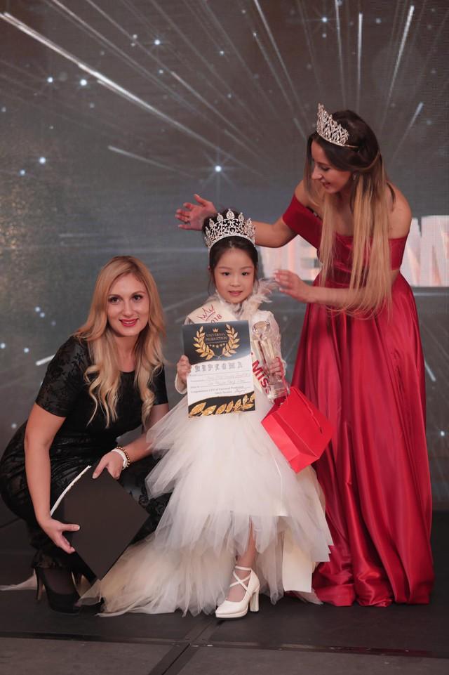 Cô bé Việt Nam 6 tuổi trở thành tân Hoa hậu nhí Á Âu 2018 - Ảnh 2.