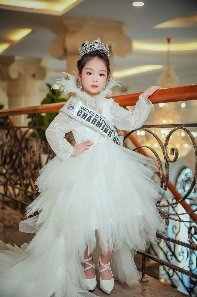 Cô bé Việt Nam 6 tuổi trở thành tân Hoa hậu nhí Á Âu 2018 - Ảnh 4.