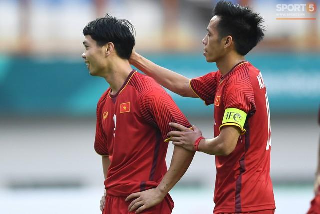 Hai ngôi sao Việt Nam được báo Thái Lan đưa vào top 10 chân sút hứa hẹn tỏa sáng ở AFF Cup 2018 - Ảnh 1.