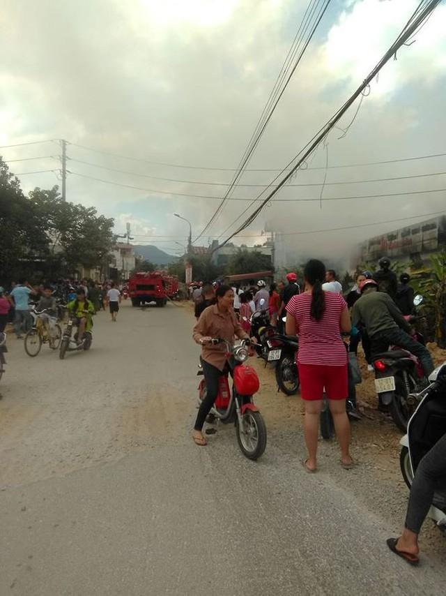 Lạng Sơn: Cháy lớn ở cơ sở in Thiên Ngân   - Ảnh 2.