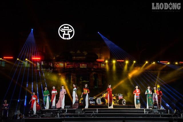 Mãn nhãn ngắm siêu xe trong buổi đăng cai giải đua xe F1 của Việt Nam - Ảnh 8.