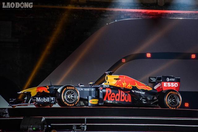 Mãn nhãn ngắm siêu xe trong buổi đăng cai giải đua xe F1 của Việt Nam - Ảnh 9.